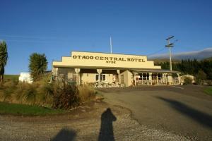 The Otago Rail Trail - Hyde Hotel