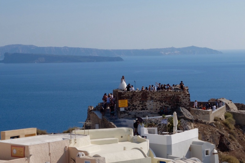 A head for heigths is required if you are going to get your wedding photos shot in Santorini