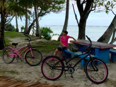 Around Rarotonga 2016: A ride around a tropical island a couple of interesting bikes